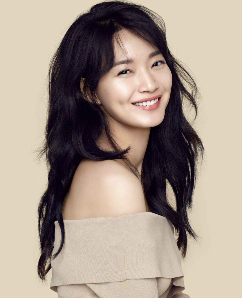 Shin Min Ah & Kim Seon Ho Bakal Bergandingan, Peminat Tak Sabar Tunggu Drama Pasangan Lesung Pipit 1