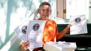 Nama Lelaki Ini Yang Paling Banyak Direkodkan Dalam Guinness World Records 3