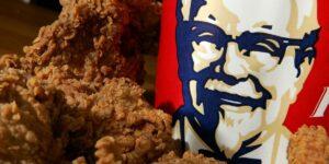 Seludup KFC Ketika PKP Ditahan Polis