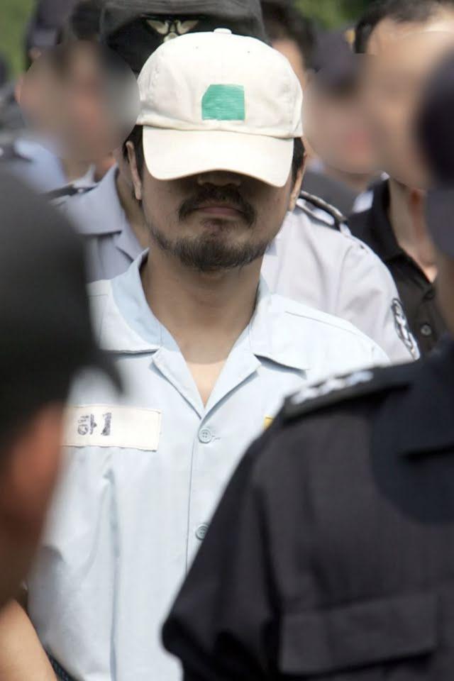 Akan Datang Di Netflix, Dokumentari Penjenayah Bersiri Yang Makan Hati Mangsa 'The Raincoat Killer' 3